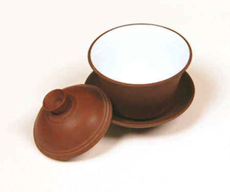 Zhong marron en terre