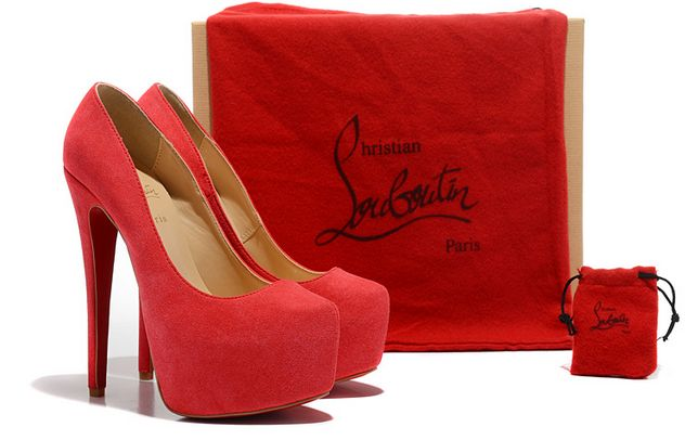 louboutin femmes chaussures